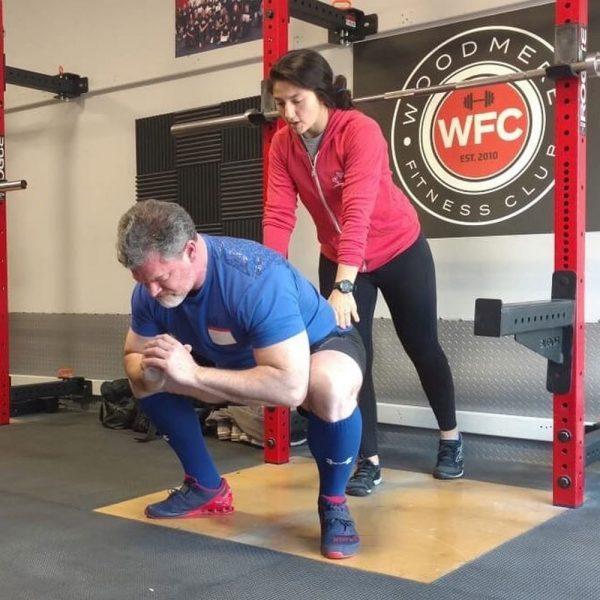 victoria diaz coaching the squat